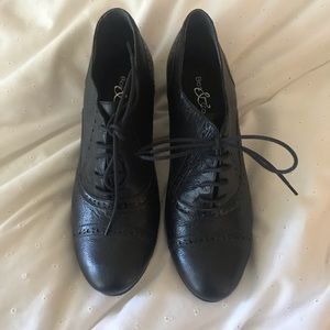 NWT genuine leather shoes